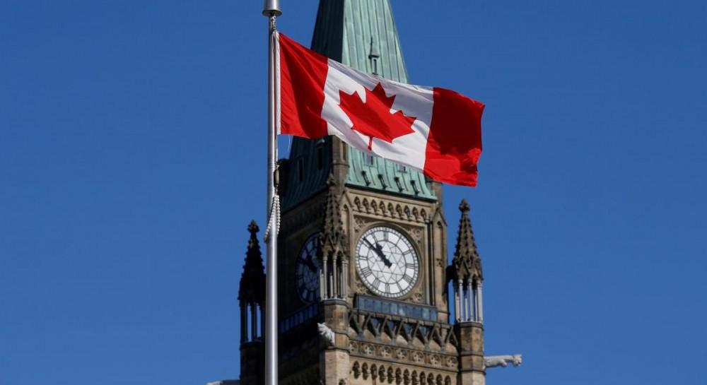 Бежавшая из Саудовской Аравии девушка прилетела в Канаду