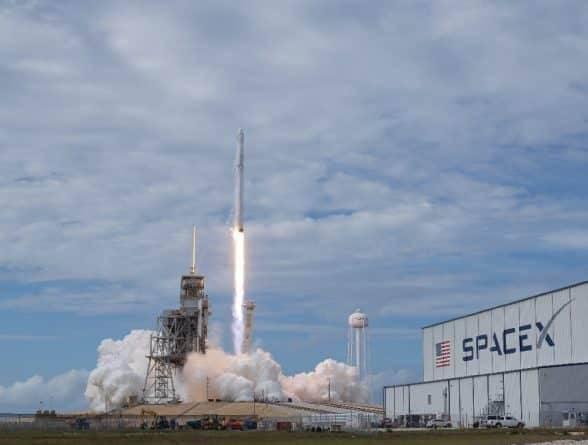 SpaceX сообщила о масштабных сокращениях: уволят 10% сотрудников