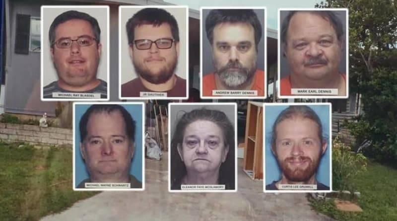 Семеро жителей Флориды использовали 15-летнего парня как секс-раба