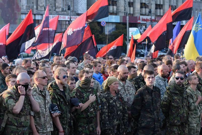Правый сектор пообещал военную помощь Минску в случае конфликта с Москвой