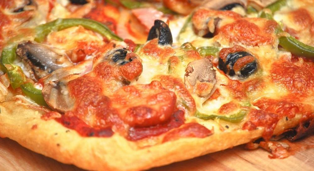 Тесто для пиццы: популярные рецепты основы для пиццы