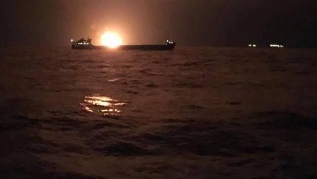 Пожар на бортах двух судов близ Керченского пролива