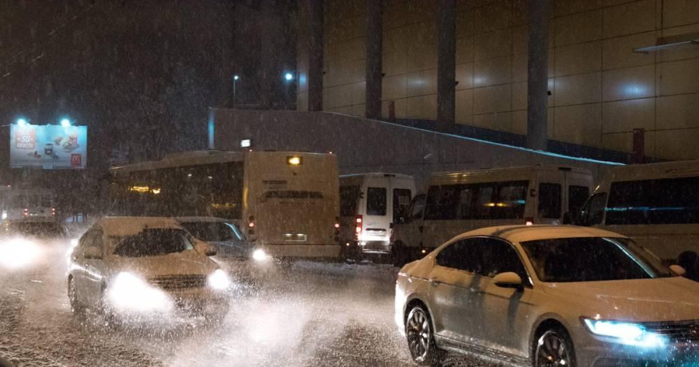 Проверьте щётки. Московских водителей призвали подготовиться к метели в выходные