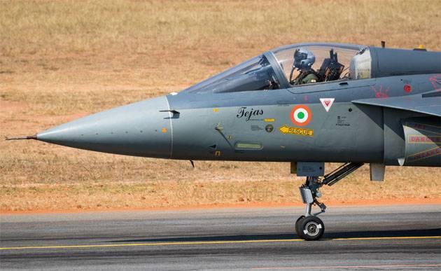 Главу МО Индии призвали уйти в отставку из-за затягивания контракта по истребителям: фото и иллюстрации
