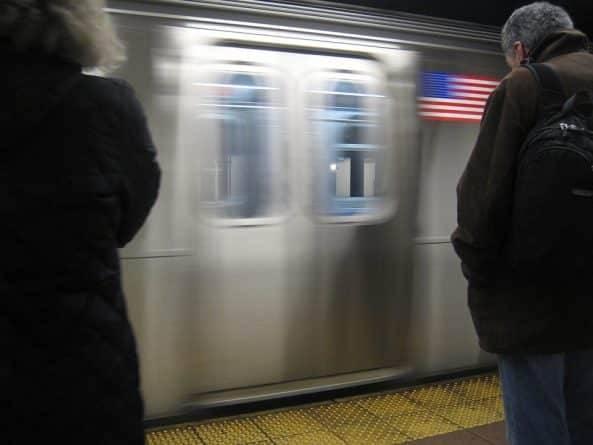 Губернатор Куомо попросил Tesla помочь модернизировать метро Нью-Йорка: фото и иллюстрации