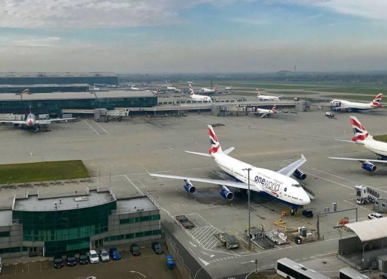 Появление беспилотника прервало работу аэропорта Хитроу (Лондон): фото и иллюстрации