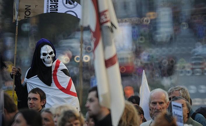 Gli Occhi della Guerra: расширение НАТО в сторону России губительно для Европы