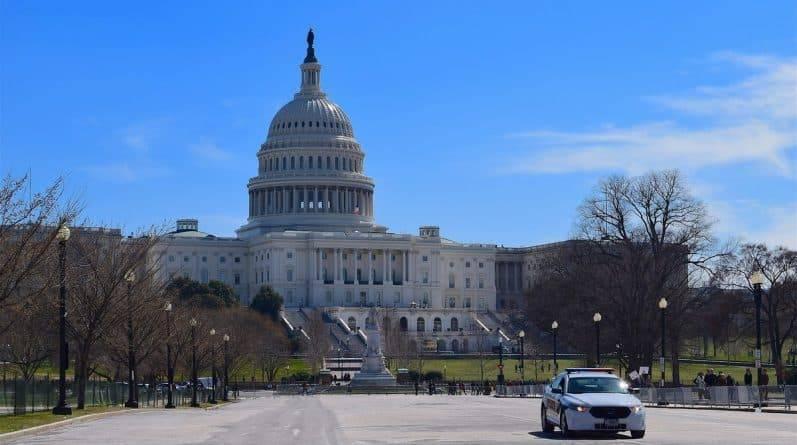 Конгресс может проголосовать за финансирование правительства без стены на южной границе