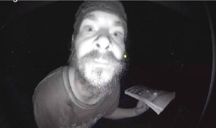 Во Флориде бывший сосед до жути испугал семью, тщательно облизав дверной звонок