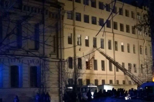 Обрушение перекрытий в здании университета в Петербурге