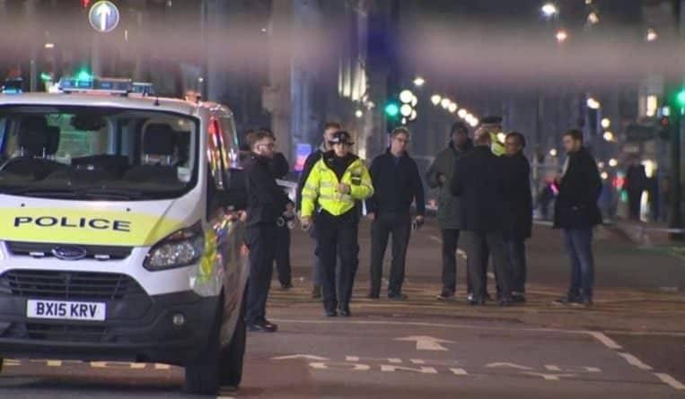 Ножевая атака на Oxford Street: на 3 мужчин напали в любимом клубе знаменитостей