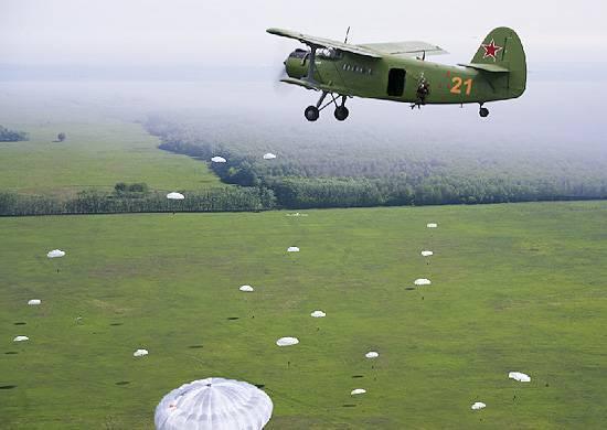"""Для чего Минобороны закупило партию Ан-2: незаменимый """"кукурузник"""""""