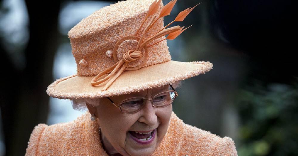 СМИ: Елизавету II эвакуируют из Лондона в случае беспорядков после Brexit