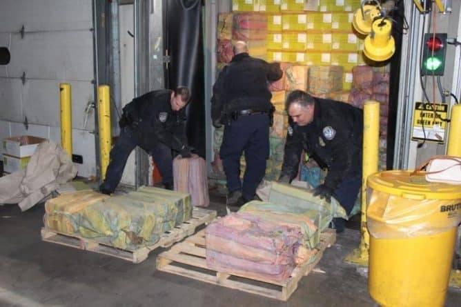 Крупнейшая партия за 25 лет: нью-йоркские таможенники изъяли почти полторы тонны кокаина