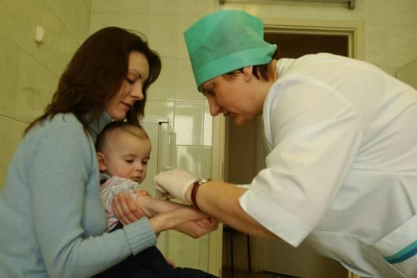 В Италии детей без прививок перестали пускать в детсады и школы