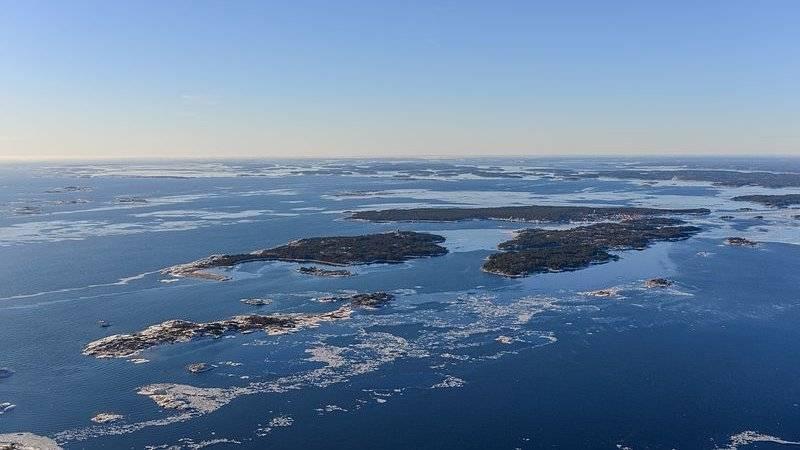 Двигатель самолета загорелся на путииз Стокгольма в Мальме: фото и иллюстрации