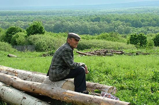 Пенсионерам Крайнего Севера предлагается выделять земельные участки в любом регионе страны