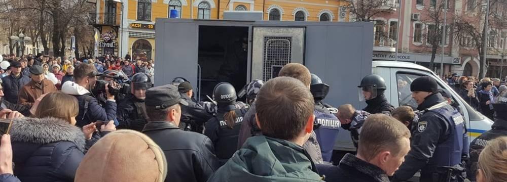 Репрессии на митингах Порошенко попали под прицел правозащитников