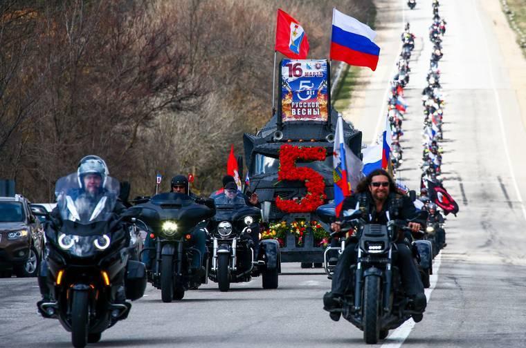 Пока Крым отмечал 5-летие всоставе России, Путин поборол блэкауты