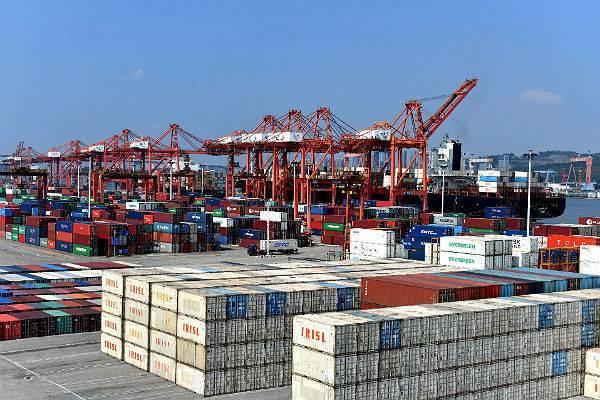 Китай поможет внешней торговле бороться с «суровой реальностью»