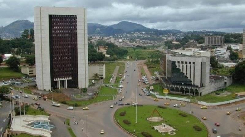 Представитель США по Африке прибыл в Камерун из-за протестов