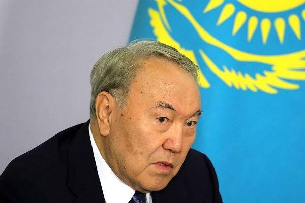 Нурсултан Назарбаев ушел в отставку