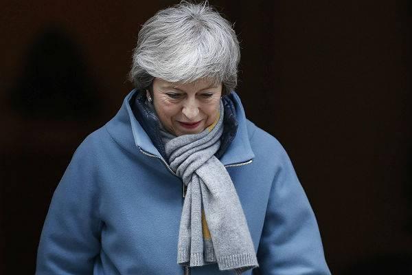 Мэй попросила ЕС отложить Брекзит на три месяца