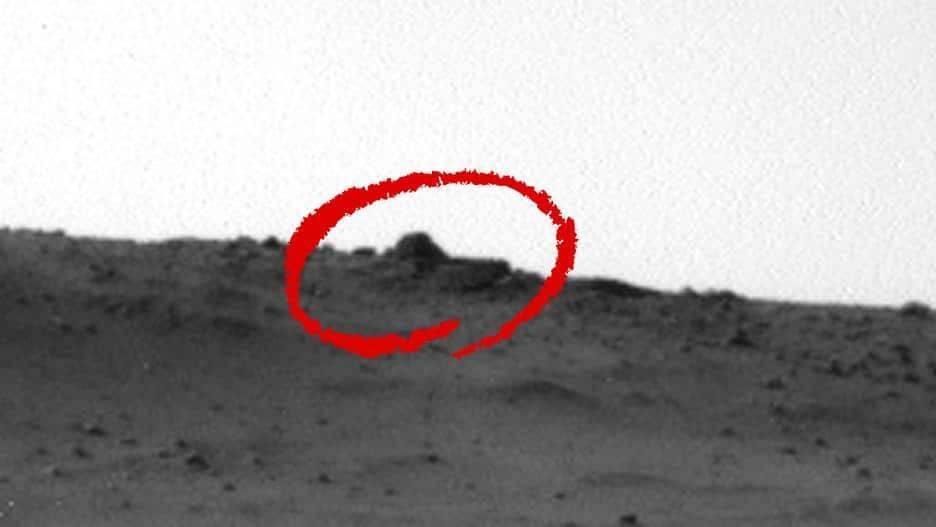 Охотник за НЛО утверждает, что обнаружил обломки летающей тарелки на Марсе