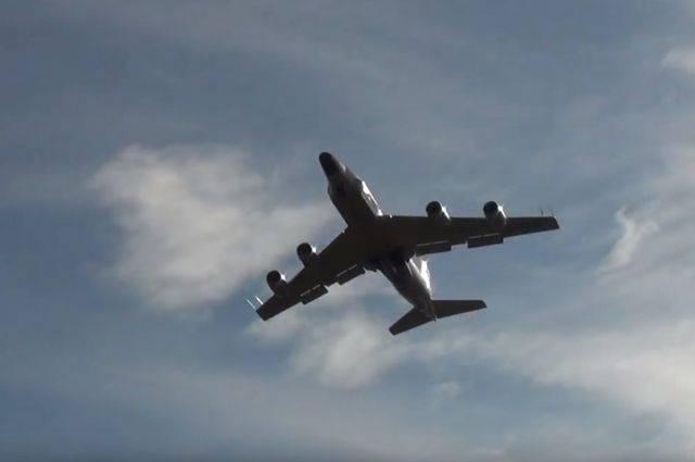 Американский самолет провел разведку у западных границ России