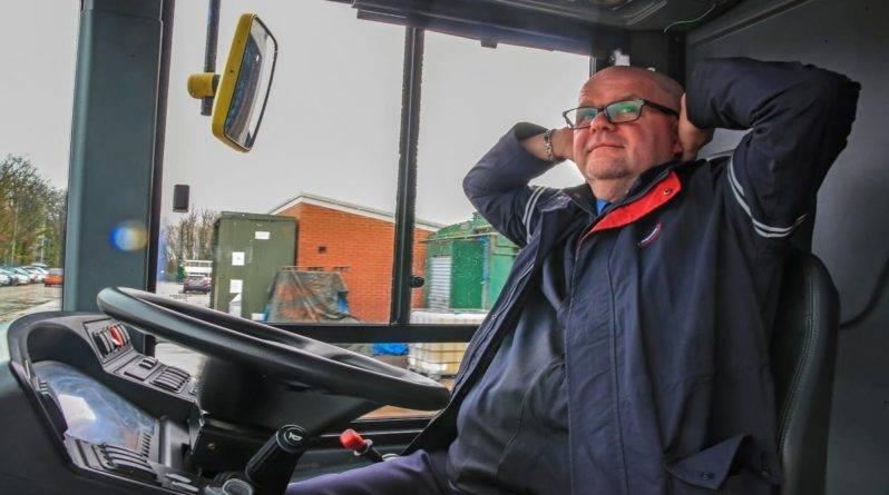 Первый в Британии полноразмерный беспилотный автобус использует радар, оптические камеры и ультразвук, чтобы избежать аварий
