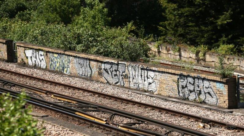Ночное граффити закончилось для троих подростков из Лондона внезапной смертью