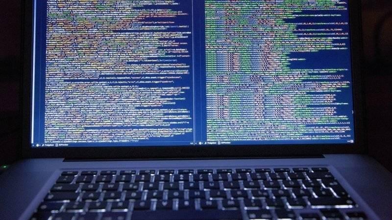 Хакеры завладели информацией о тысячах полицейских и сотрудников федеральных служб США