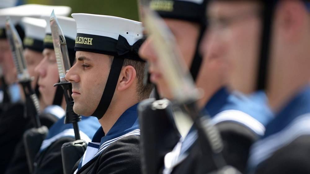Британские моряки-наркоманы рискуют развязать третью мировую войну