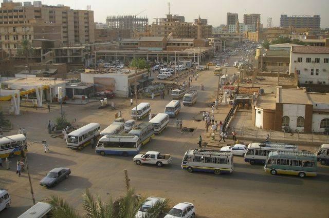 Спикер парламента Судана задержан в аэропорту Хартума