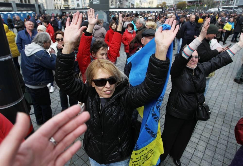 У Порошенко потребовали отменить выборы