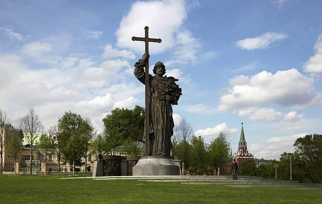 Историк предложил ввести мораторий на установку памятников