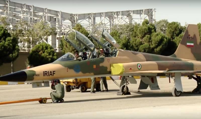 Иран собрался увеличить производство собственных истребителей