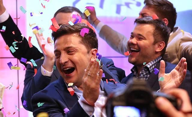 «Кандидат мира» и «утка без ног». Политологи о первых результатах украинских выборов
