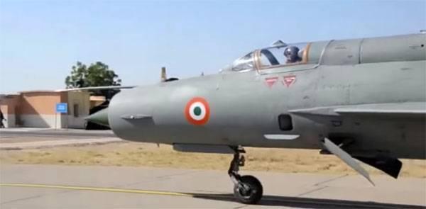 """В США обсуждают странности отправки МиГ-21 ВВС Индии в """"неравный бой"""""""