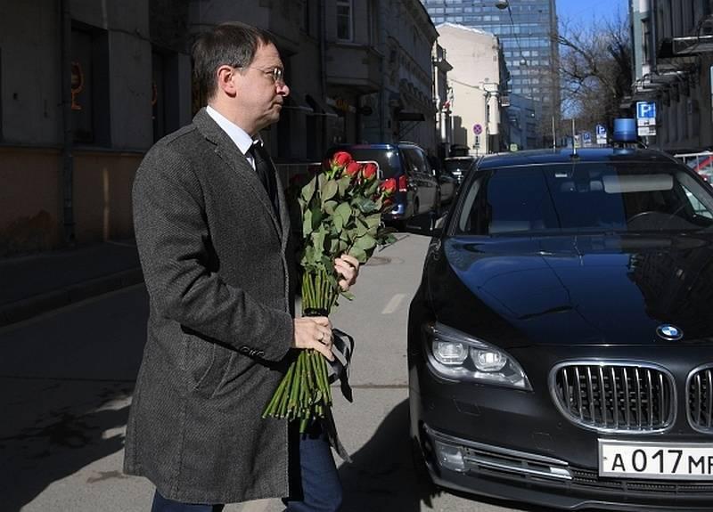 Владимир Мединский получил мигалку за 6,4 млн бюджетных рублей