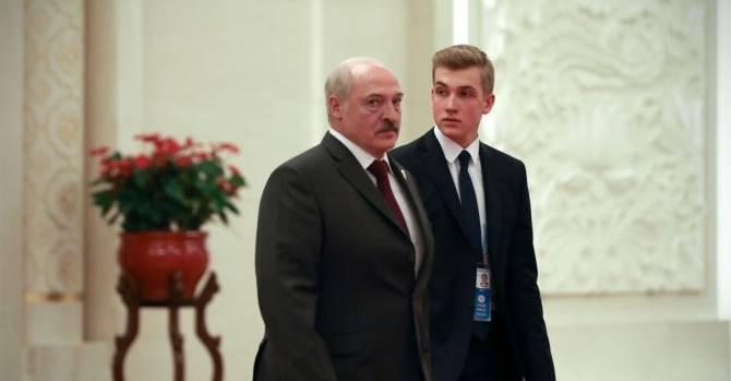 """""""Вы видели, что стало с Колей Лукашенко?"""" В соцсетях обсуждают внешность сына президента Беларуси"""