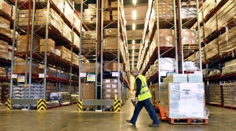 В Уэльсе заполняют гигантский склад товарами в случае Brexit без сделки