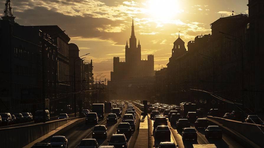 Московские пробки достигли 10 баллов: фото и иллюстрации
