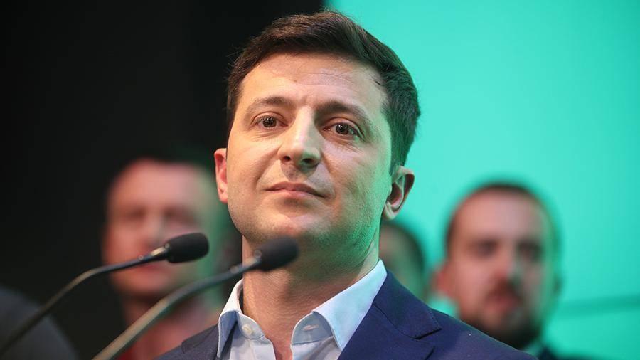 В Совфеде предсказали первые шаги Зеленского на посту президента