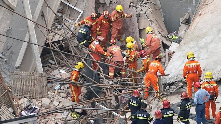 Пять человек погибли в результате обрушения крыши здания в Шанхае