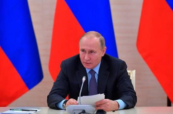 Путин: железнодорожная часть Крымского моста будет достроена с опережением графика