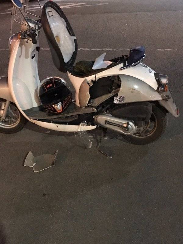 Мотоциклист въехал в трамвай в Невском районе