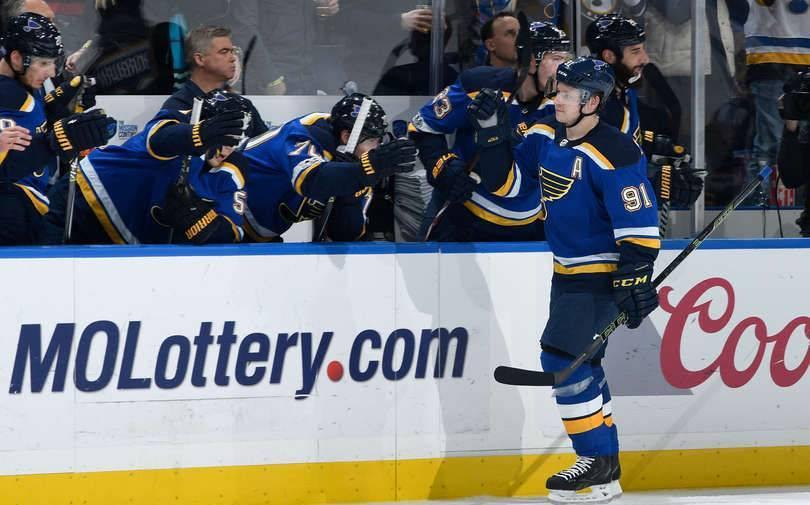 Тарасенко набрал девятое очко в плей-офф НХЛ: фото и иллюстрации
