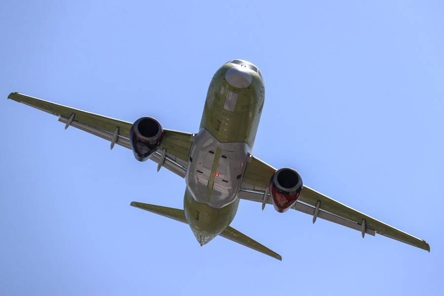 Sukhoi Superjet 100  Ульяновск – Москва прервал взлет