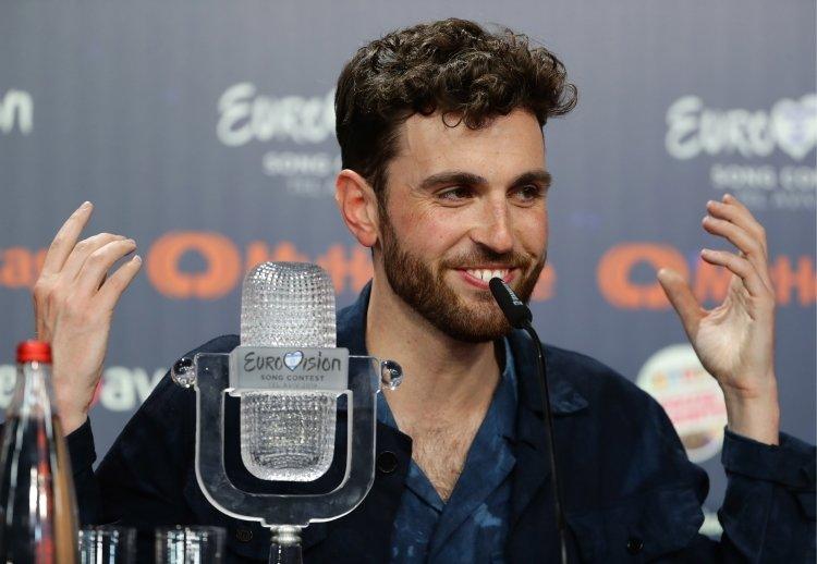 Победитель «Евровидения-2019» умолчал о своей сексуальной ориентации ради голосов: фото и иллюстрации